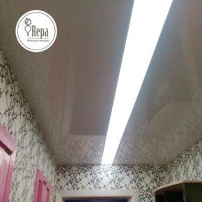 Натяжной потолок с парящей линией