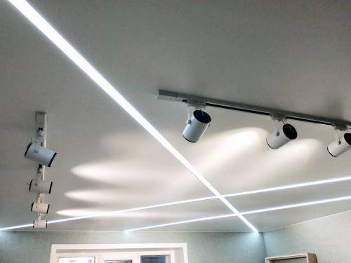 Какие натяжные потолки установить в квартиру?