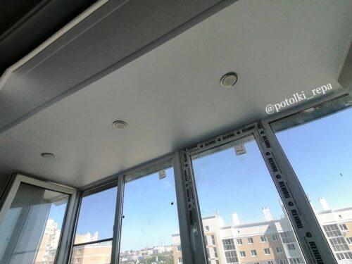 Как устанавливать натяжные потолки – до или после обоев?«Репа»рассказывает о последовательности ремонта и дарит скидку до 5000 рублей.