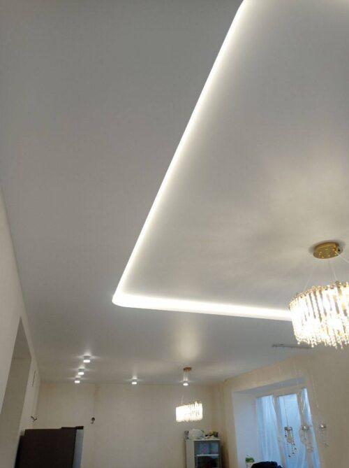 Как не ошибиться с выбором освещения при монтаже натяжного потолка?Рассказываем о 2-х основных правилах.
